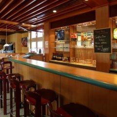 Отель AVUS an der Messe Германия, Берлин - отзывы, цены и фото номеров - забронировать отель AVUS an der Messe онлайн гостиничный бар фото 4