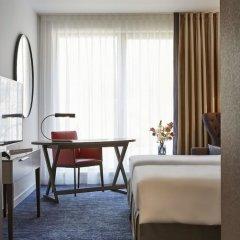 Отель Hyatt Regency Amsterdam Стандартный номер с красивым видом с различными типами кроватей