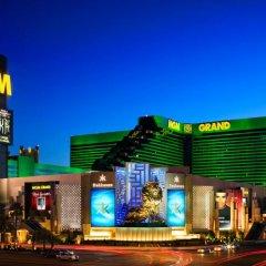 Отель SKYLOFTS at MGM Grand 4* Лофт Sky с различными типами кроватей