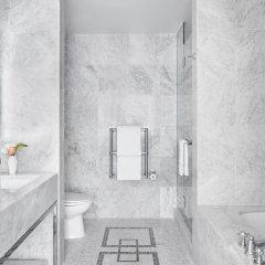 Отель Conrad New York Midtown США, Нью-Йорк - отзывы, цены и фото номеров - забронировать отель Conrad New York Midtown онлайн ванная фото 4