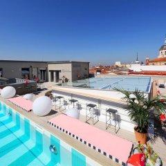 Отель Axel Hotel Madrid – Gay friendly Испания, Мадрид - 2 отзыва об отеле, цены и фото номеров - забронировать отель Axel Hotel Madrid – Gay friendly онлайн бассейн
