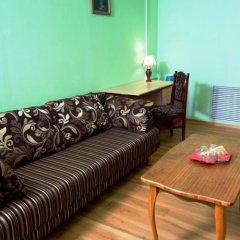 Гостиница Куршавель в Байкальске отзывы, цены и фото номеров - забронировать гостиницу Куршавель онлайн Байкальск комната для гостей фото 13