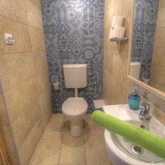Lavender Circus Hostel ванная