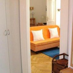 Отель Royal Route Aparthouse Прага комната для гостей фото 2