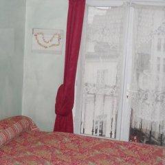 Отель Hôtel Le Petit Trianon комната для гостей