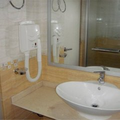 Отель Palm View Tourist Guest House Мале ванная