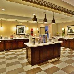 Отель Hampton Inn Niagara Falls/ Blvd США, Ниагара-Фолс - отзывы, цены и фото номеров - забронировать отель Hampton Inn Niagara Falls/ Blvd онлайн питание фото 3