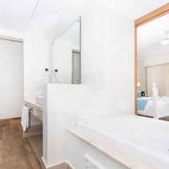 Отель Be Live Collection Punta Cana - All Inclusive 3* Семейный домик Better together с различными типами кроватей