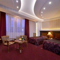 Отель Форум комната для гостей