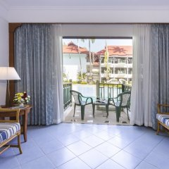Отель Amora Beach Resort пляж Банг-Тао комната для гостей фото 11