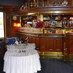 Отель Admiral Botel гостиничный бар
