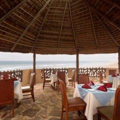 Отель Ramada Resort, Accra Coco Beach питание фото 2