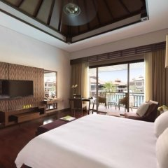 Отель Anantara The Palm Dubai Resort 5* Номер Премьер с двуспальной кроватью