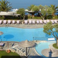 Отель Anthemus Sea Beach Hotel & Spa Греция, Ситония - 2 отзыва об отеле, цены и фото номеров - забронировать отель Anthemus Sea Beach Hotel & Spa онлайн бассейн фото 4