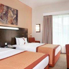 Отель Holiday Inn Express Dubai Safa Park комната для гостей