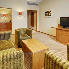 Гостиница Холидей Инн Москва Сущевский комната для гостей фото 3