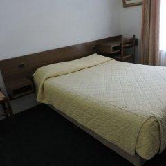 Отель Hôtel du Roi René комната для гостей