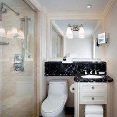 Fairmont Royal York Hotel 4* Люкс Fairmont gold studio с различными типами кроватей