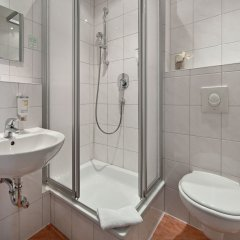 Novum Hotel Eleazar City Center Гамбург ванная фото 2