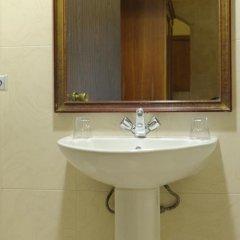 Отель Oriana at the Topaz Hotel Мальта, Буджибба - отзывы, цены и фото номеров - забронировать отель Oriana at the Topaz Hotel онлайн ванная фото 3