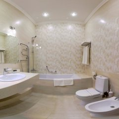 Гостиница Хрустальный Resort & Spa 4* Улучшенный номер с различными типами кроватей фото 9