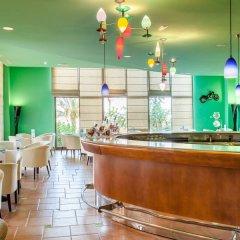 Отель Occidental Jandia Royal Level - Adults Only гостиничный бар фото 2