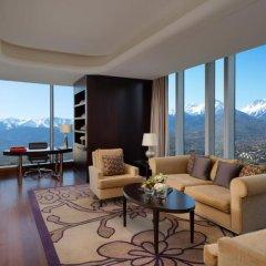 Отель The Ritz-Carlton, Almaty Представительский люкс