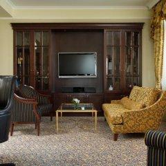 Гостиница Hilton Москва Ленинградская 5* Президентский люкс с различными типами кроватей фото 2