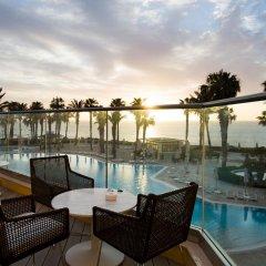 Отель Hilton Malta бассейн фото 2
