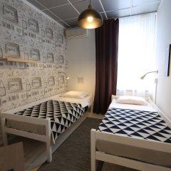 Хостел Артист на Казанском Номер Эконом с 2 отдельными кроватями фото 3