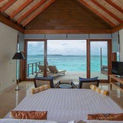 Отель Furaveri Island Resort & Spa 5* Люкс с двумя спальнями и бассейном с различными типами кроватей