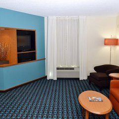 Отель Fairfield Inn & Suites Effingham комната для гостей фото 8