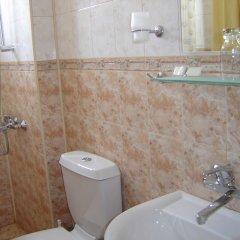 Chris Hotel Sveti Vlas ванная