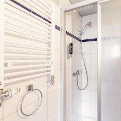 Отель a&o Berlin Hauptbahnhof Германия, Берлин - 12 отзывов об отеле, цены и фото номеров - забронировать отель a&o Berlin Hauptbahnhof онлайн ванная