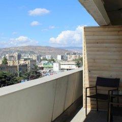 Отель Tbilisi Central by Mgzavrebi балкон фото 3