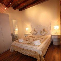 Отель Hostal Orleans комната для гостей фото 6