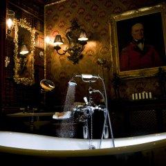 Отель The Witchery By The Castle Эдинбург ванная фото 2