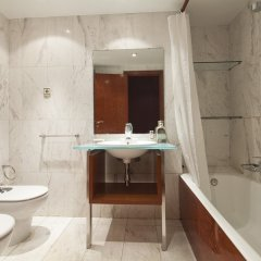 Отель My Space Barcelona Classic Bonanova Center Испания, Барселона - отзывы, цены и фото номеров - забронировать отель My Space Barcelona Classic Bonanova Center онлайн ванная