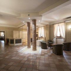 Hotel Sesmones Корнельяно Лауденсе интерьер отеля