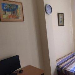 Mini Hotel YEREVAN 3* Номер Эконом разные типы кроватей (общая ванная комната) фото 2