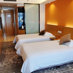 Отель Dazhong Airport (South Building) комната для гостей фото 9