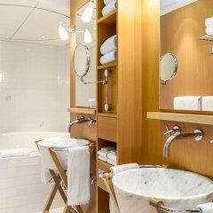 Отель Hilton Amsterdam Амстердам ванная фото 2