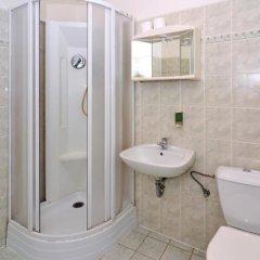 Отель Ritchies Hostel & Hotel Чехия, Прага - отзывы, цены и фото номеров - забронировать отель Ritchies Hostel & Hotel онлайн ванная