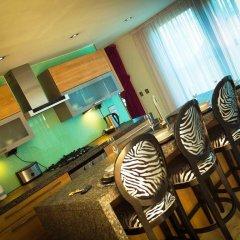 Отель Posh Pads at The Casartelli Великобритания, Ливерпуль - отзывы, цены и фото номеров - забронировать отель Posh Pads at The Casartelli онлайн гостиничный бар