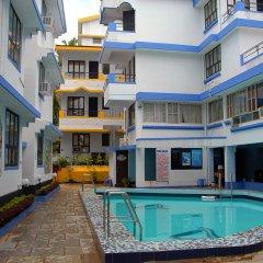 Отель Alor Holiday Resort Гоа бассейн