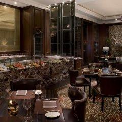 Отель Habtoor Palace, LXR Hotels & Resorts питание фото 3