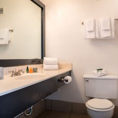 OYO Hotel & Casino (formerly Hooters Casino Hotel) ванная