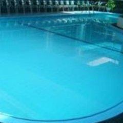 Riverdale Hotel Канди бассейн