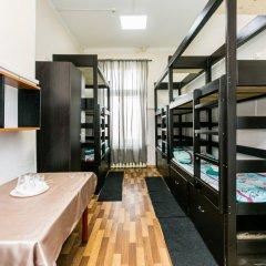 Хостел Хогвардс Кровать в женском общем номере с двухъярусной кроватью