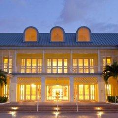 Отель Grand Lucayan Resort вид на фасад
